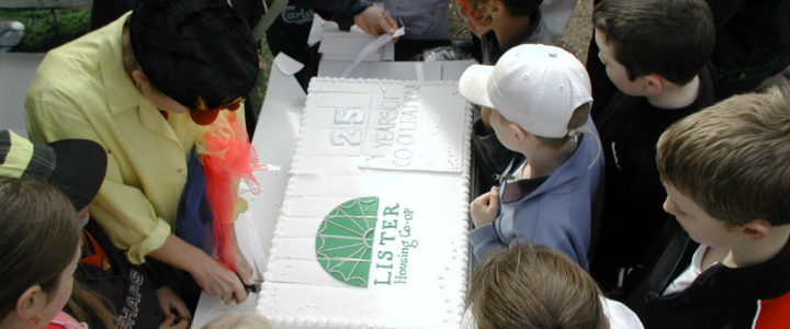Lister tenants celebrate 25 years of co-operation with a cake